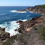 Rocky coastline below Kangarutha Track (102793)