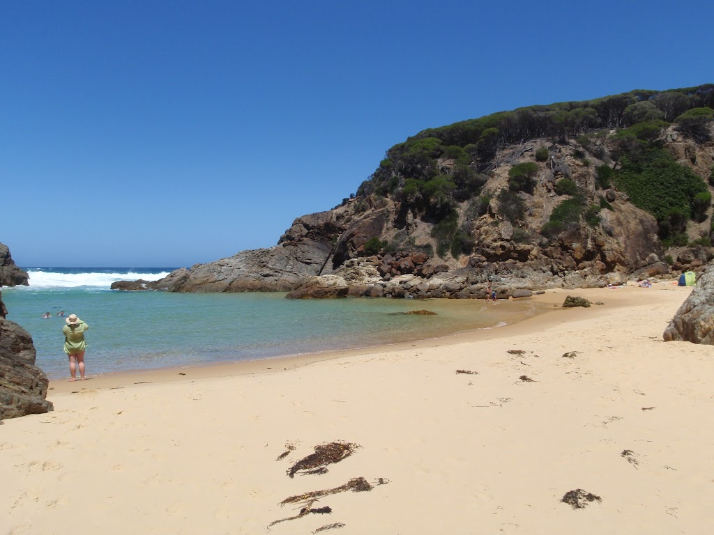 Hidden beach at Wallagot Gap (104566)