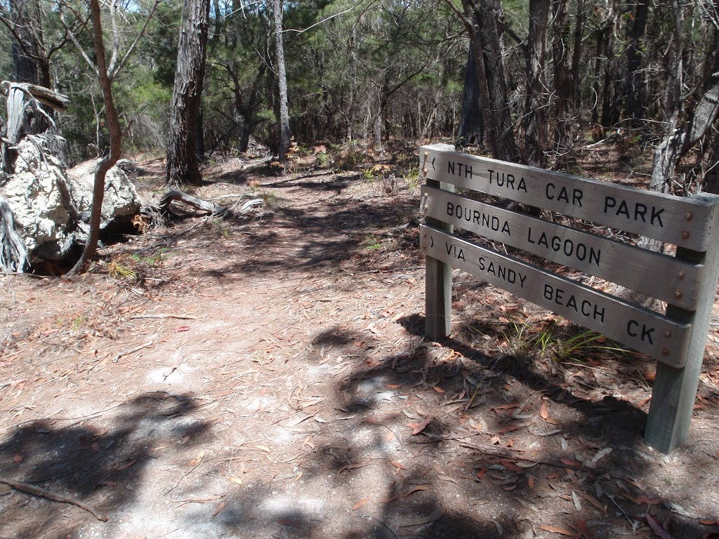 Signpost along track (106111)