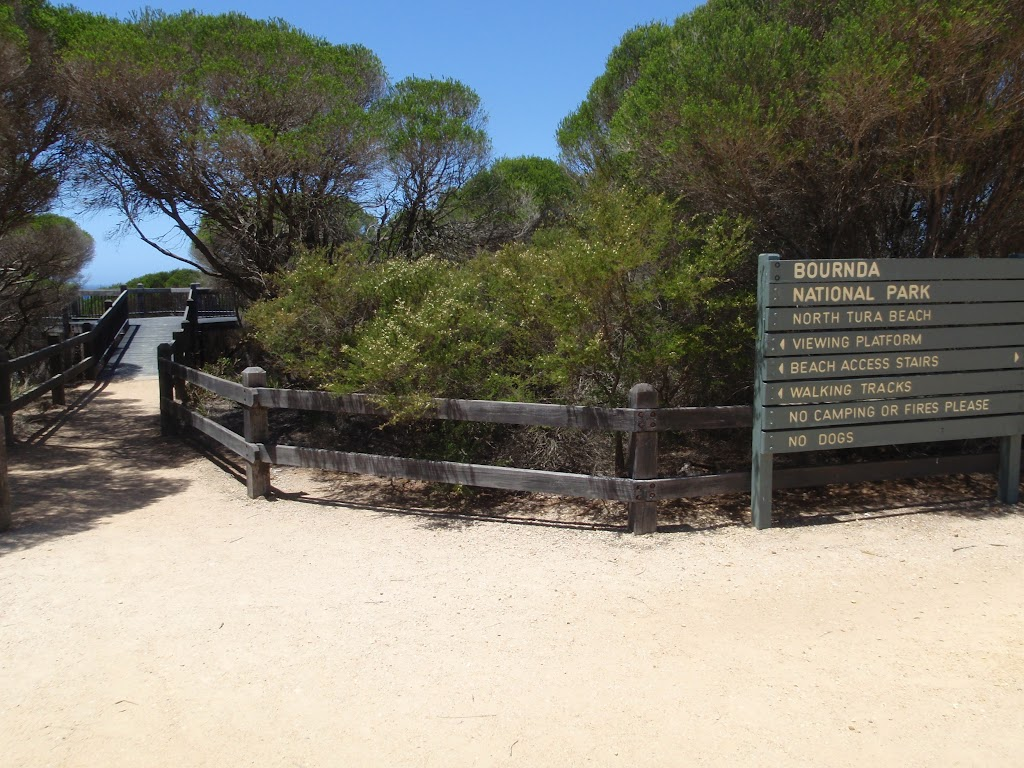 Signposted intersection for lookout and beach