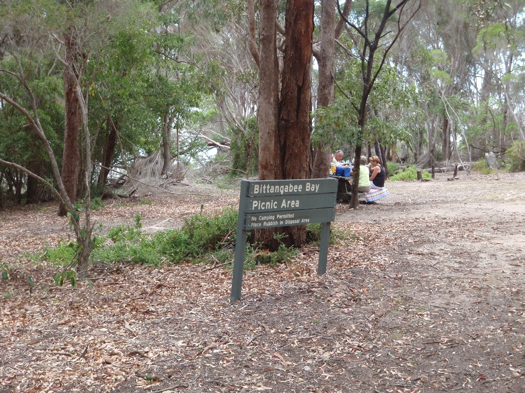 Bittangabee Picnic area and sign (106603)
