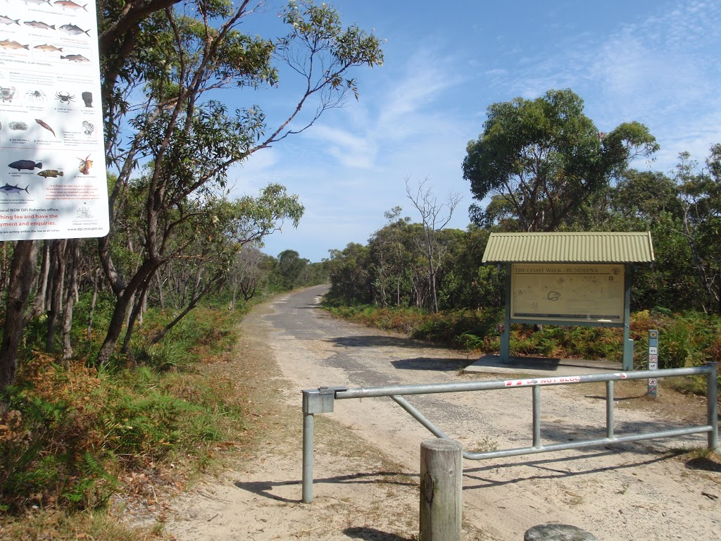 Sign and gate at the end of Beachcomber Rd