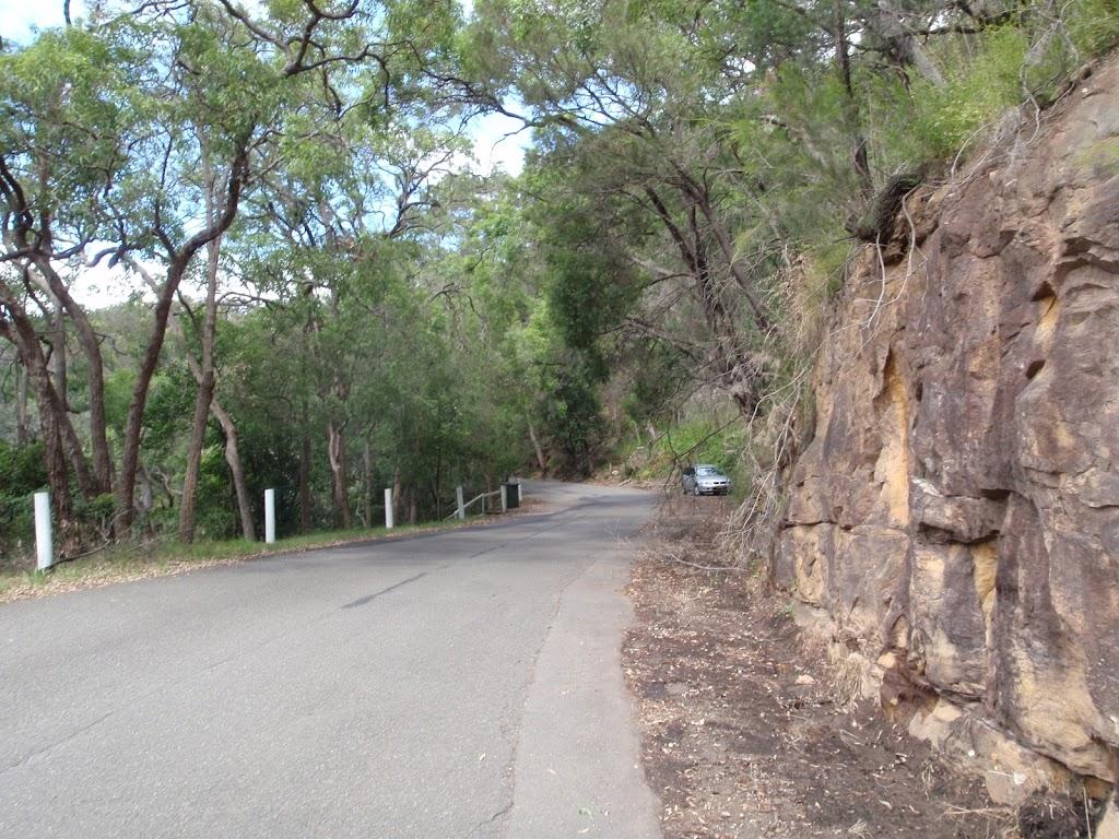 Road into Apple Tree Bay