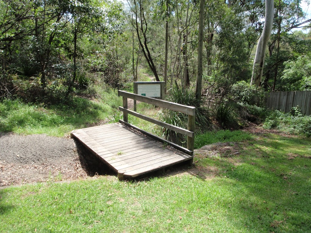 Small bridge at the back of Lindfield Soldiers Memorial Park (126121)