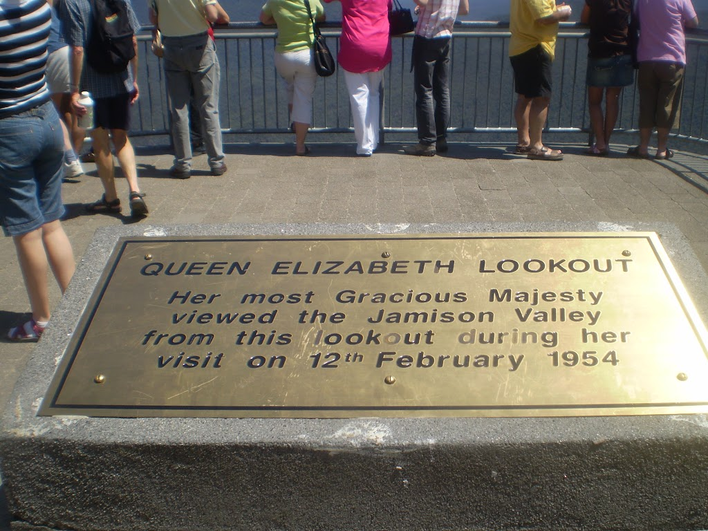 Queen Elizabeth Lookout plaque
