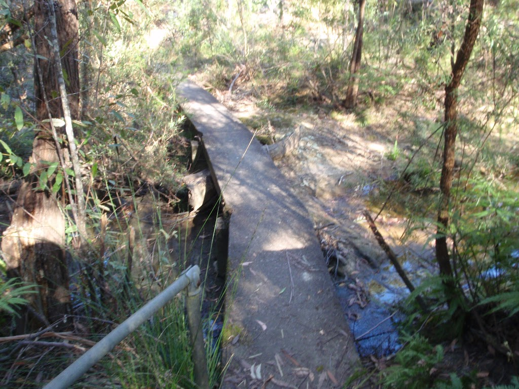 Leaks Creek Crossing
