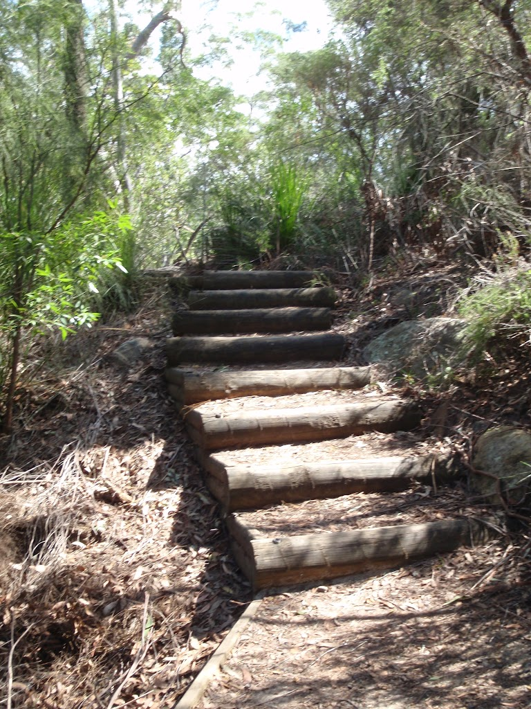 Steps between Illoura Lookout and Piles Creek