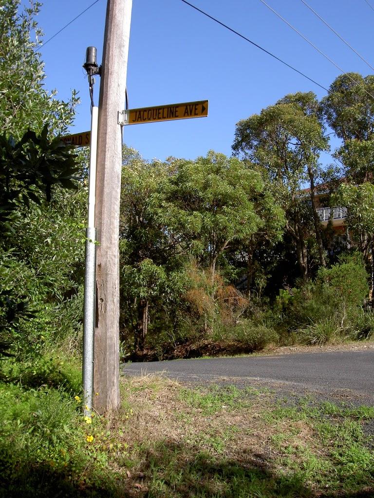 Jacqueline Ave Signpost