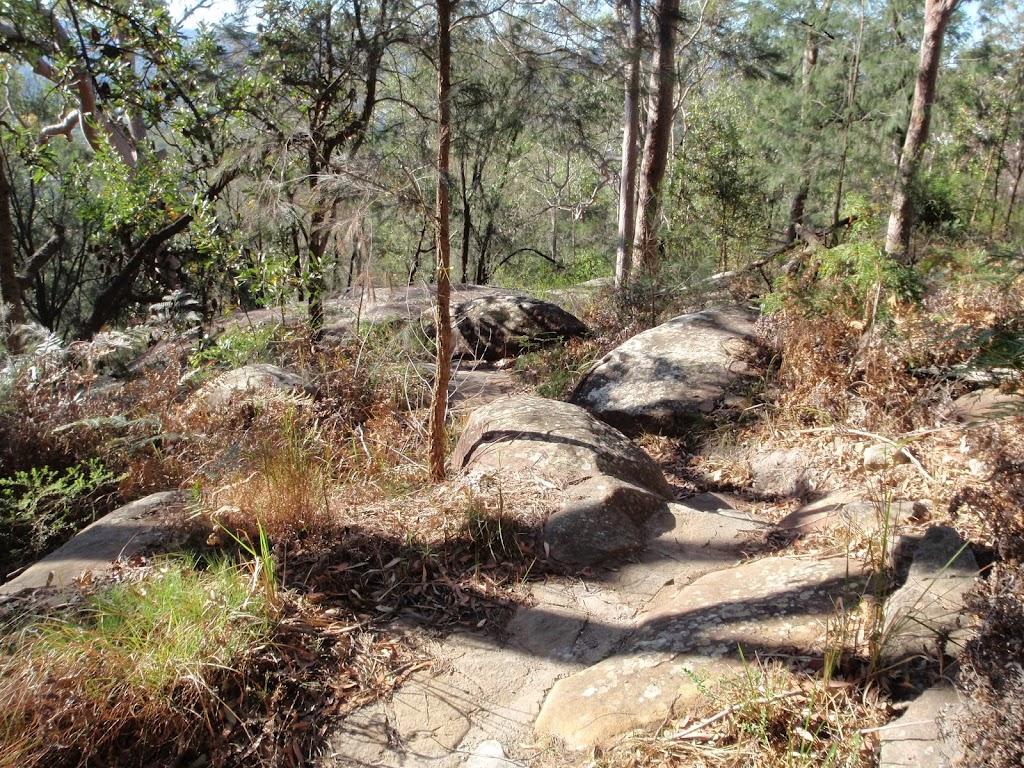 Meander through the rocks