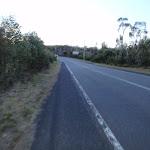 Walking beside Woy Woy Rd (204094)