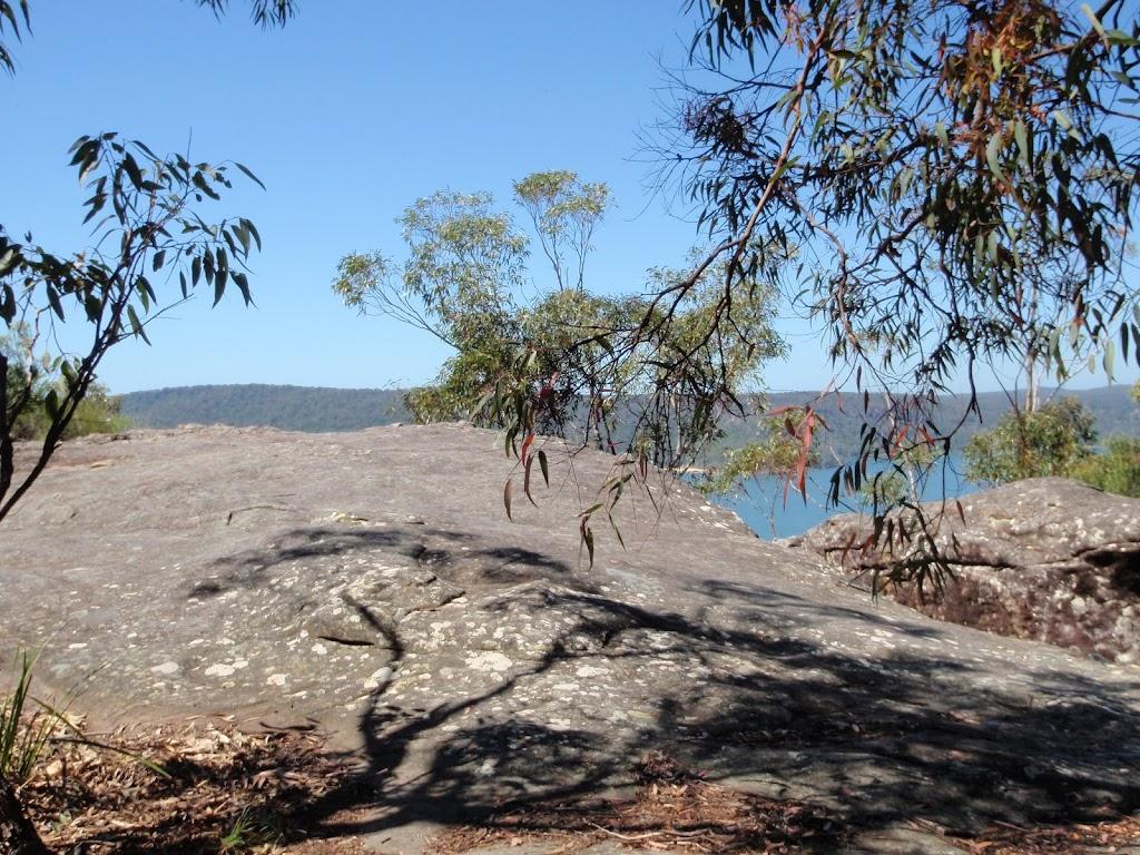 Rock platform at Broken Bay View