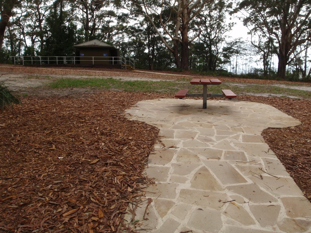 Path leading to picnic table