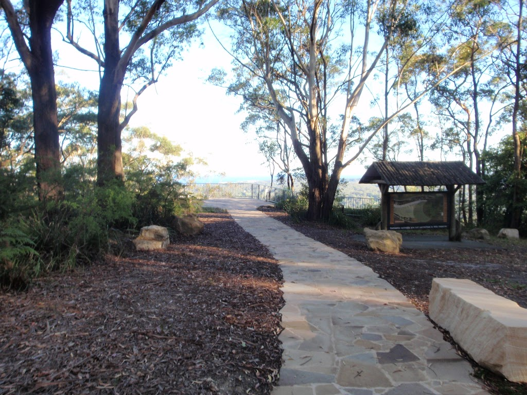 Path leading to St Johns Lookout