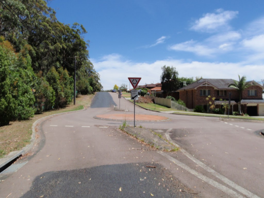 looking to the roundabout of James Sea Dr  Bembooka Rd and Sun Valley Rd (236015)