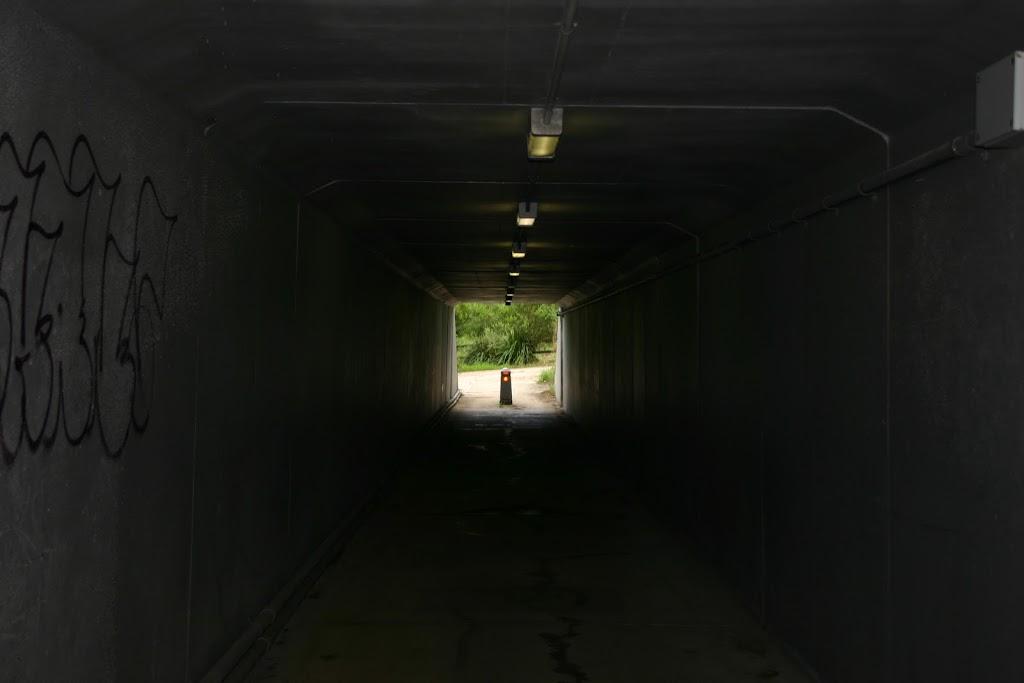 Tunnel under M2