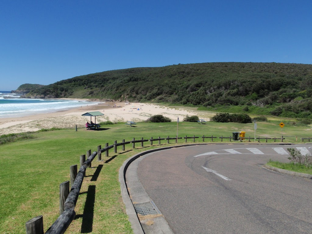 The end of Frazer Beach Rd