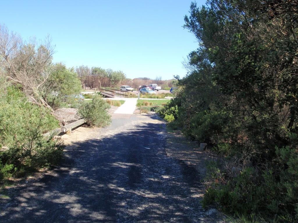 Freemans Camp path leading to Birdie Beach carpark