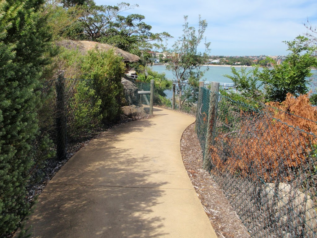 Hermitage Foreshore Walk near  Bayview Hill Rd
