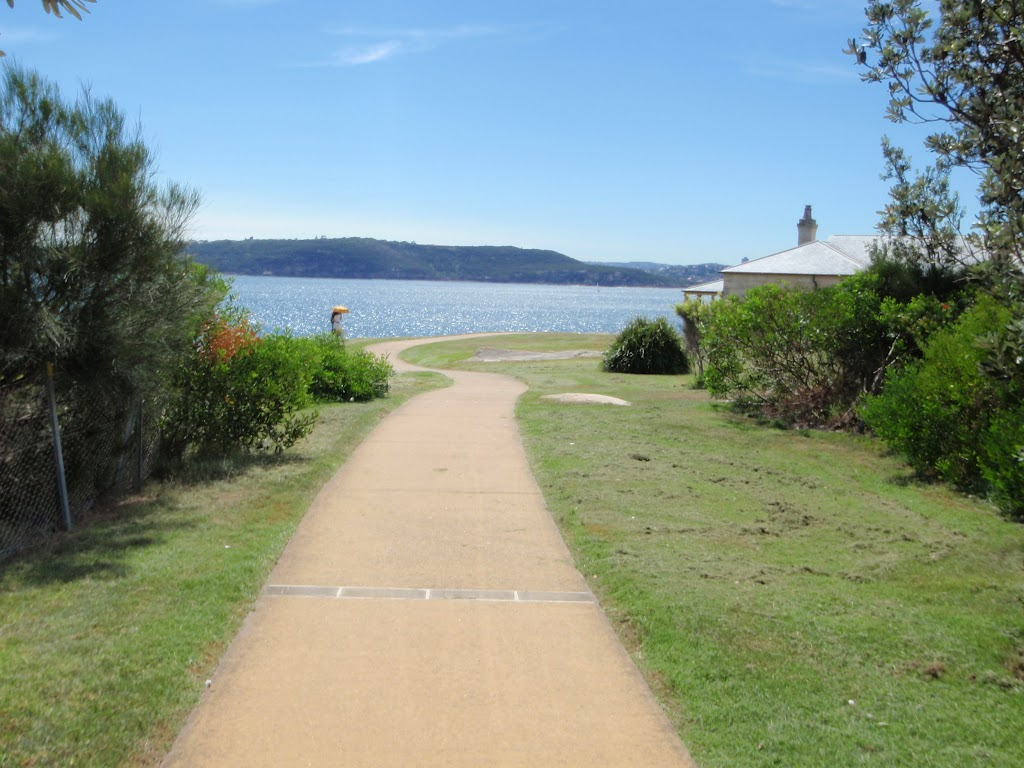 Path leading to cottage on South Head