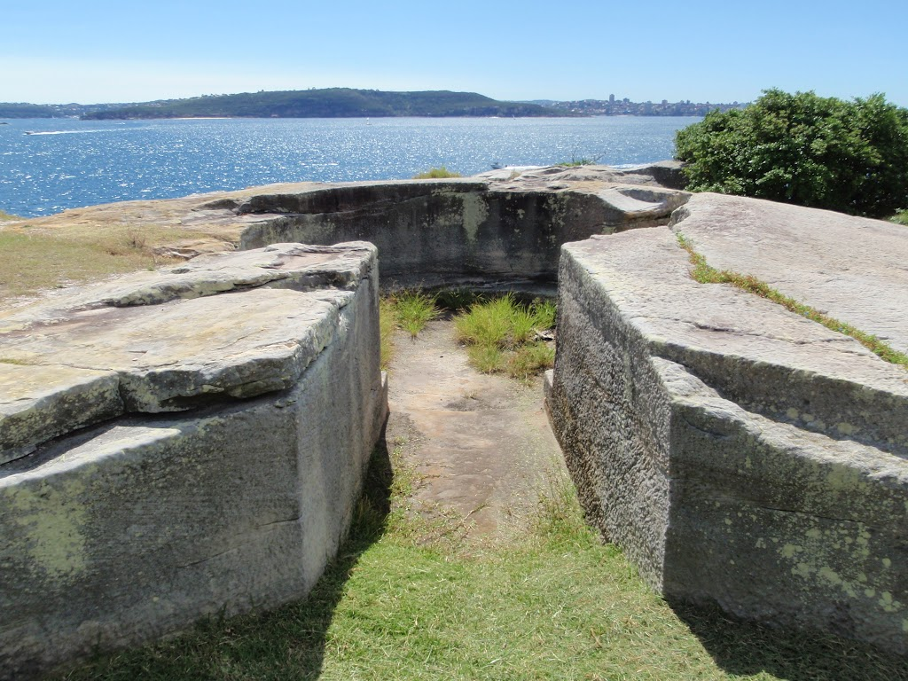 Gum emplacement opposite the Head Lighthouse Keepers cottage