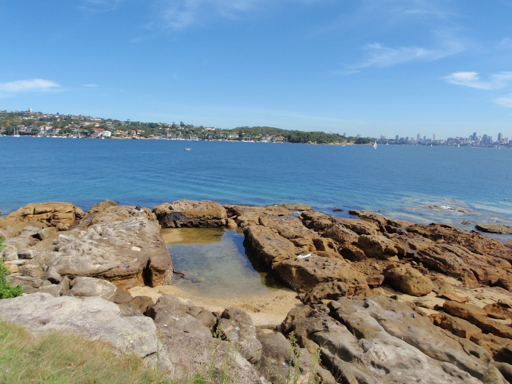 Rock pool on Green (Laings) Point