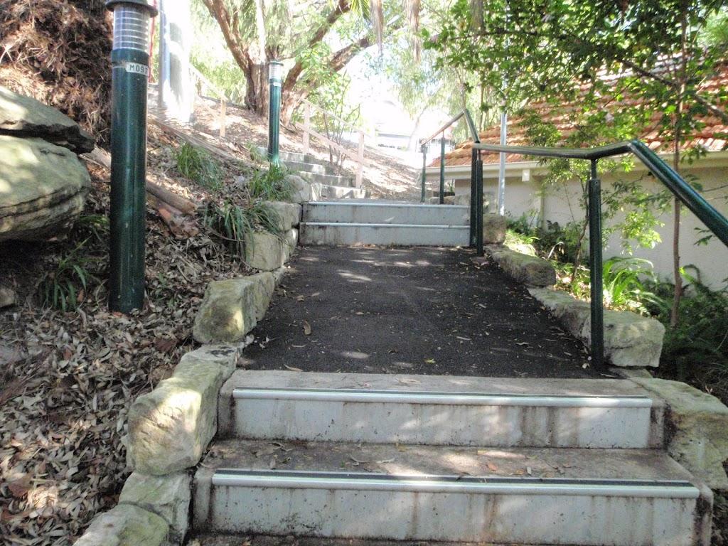 Hodgson Ave steps (258515)