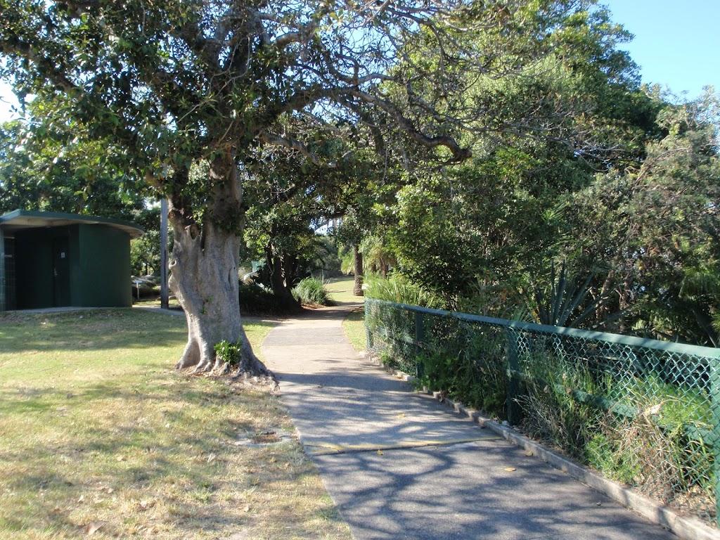 Walking path through Cremorne Reserve