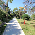 Well signposted paths through Cremorne Reserve (259694)