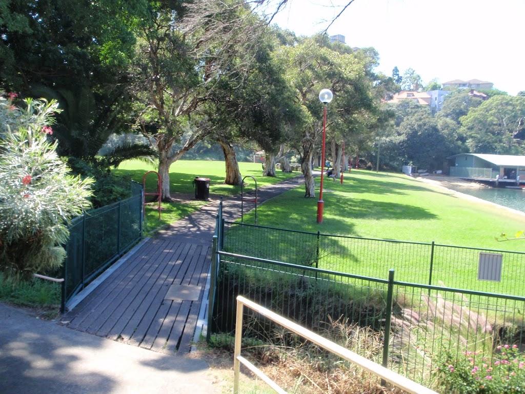 Path into Anderson Park