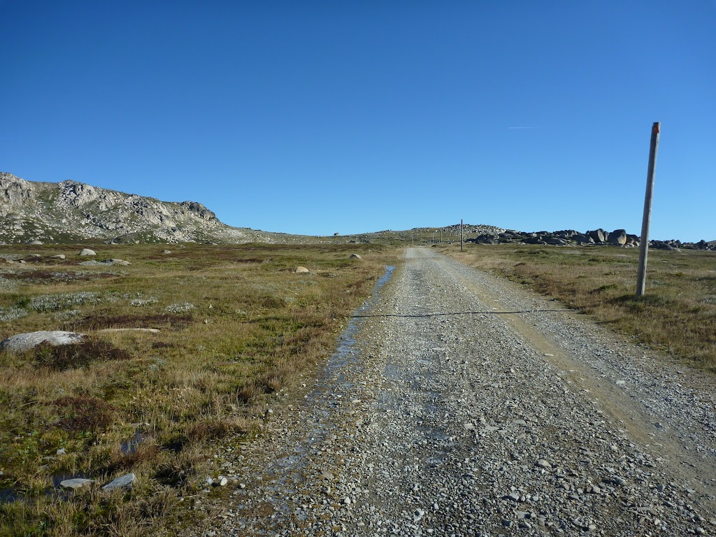 Old Kosckiuszko Road, nearing Seaman's Hut