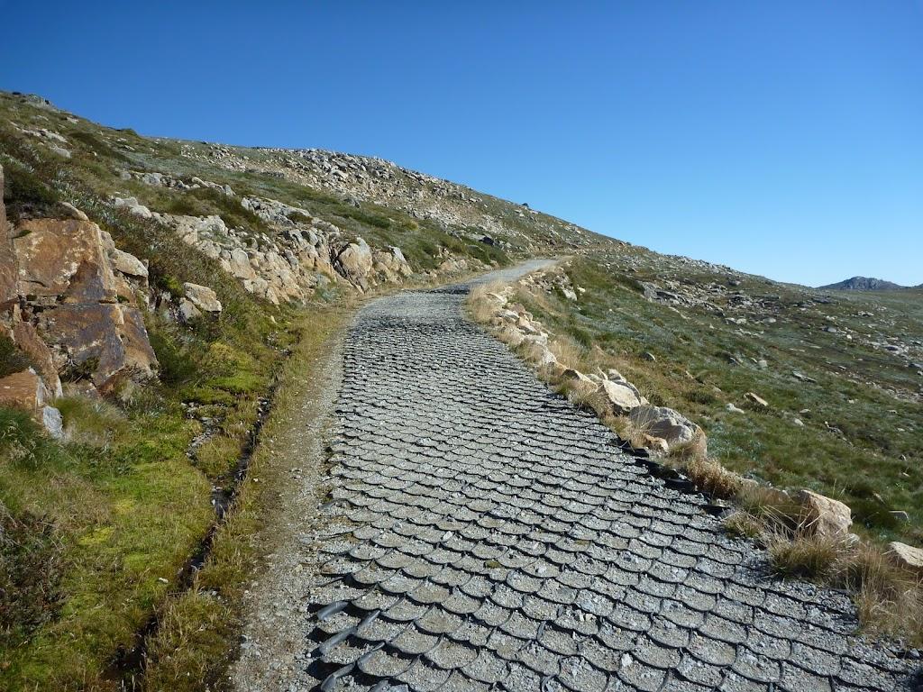Path on the side of Mt Kosciuszko