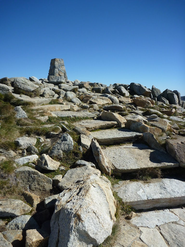 Nearing Mt Kosciuszko summit