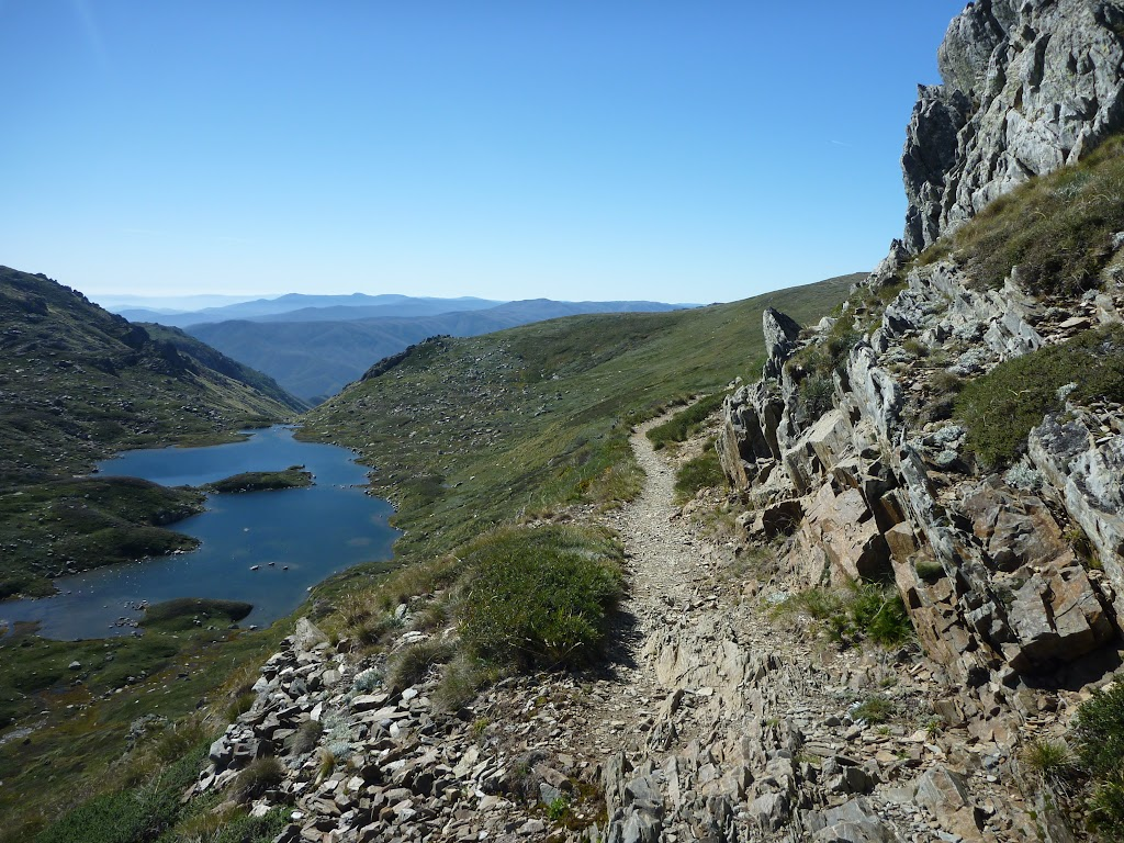 Rocky pass above Lake Albina