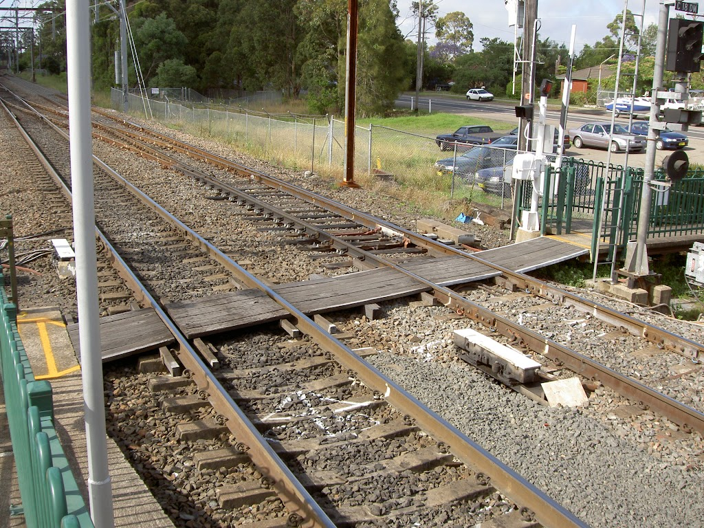 Cowan Station Crossing (28574)