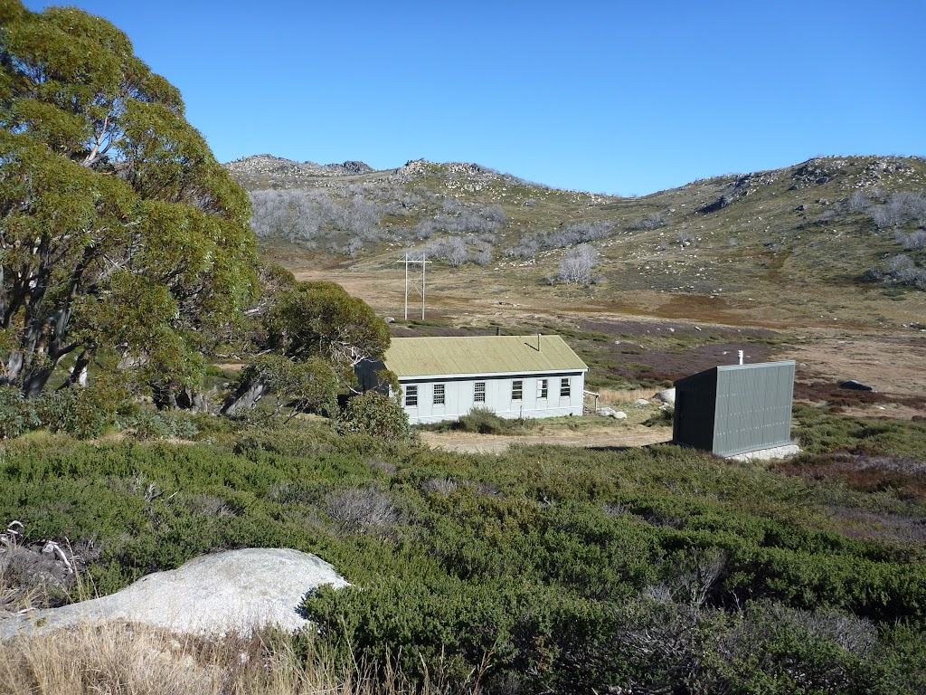 Schlink Hut from the old road (286845)