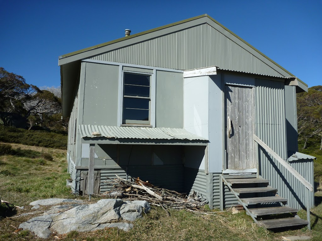 Entrance to Schlink Hut (286914)