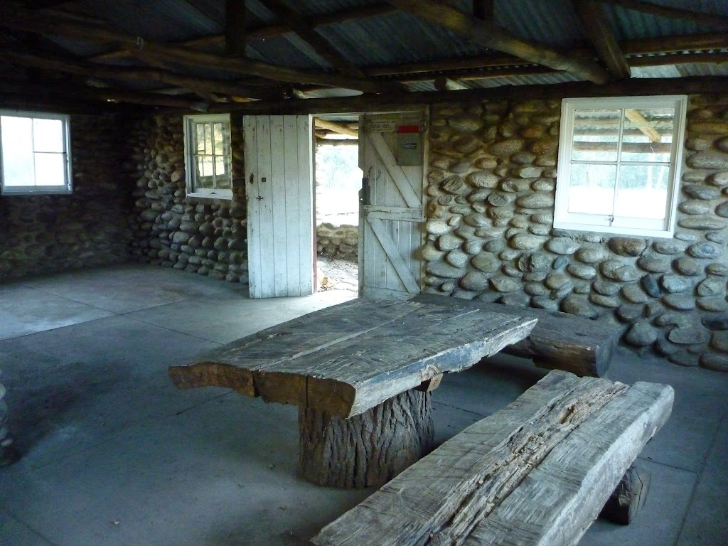 Inside Keebles Hut (292261)