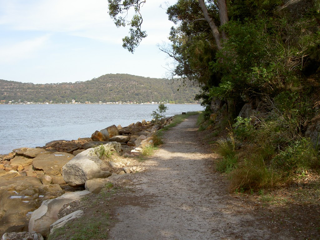 Track to Flat Rock Point