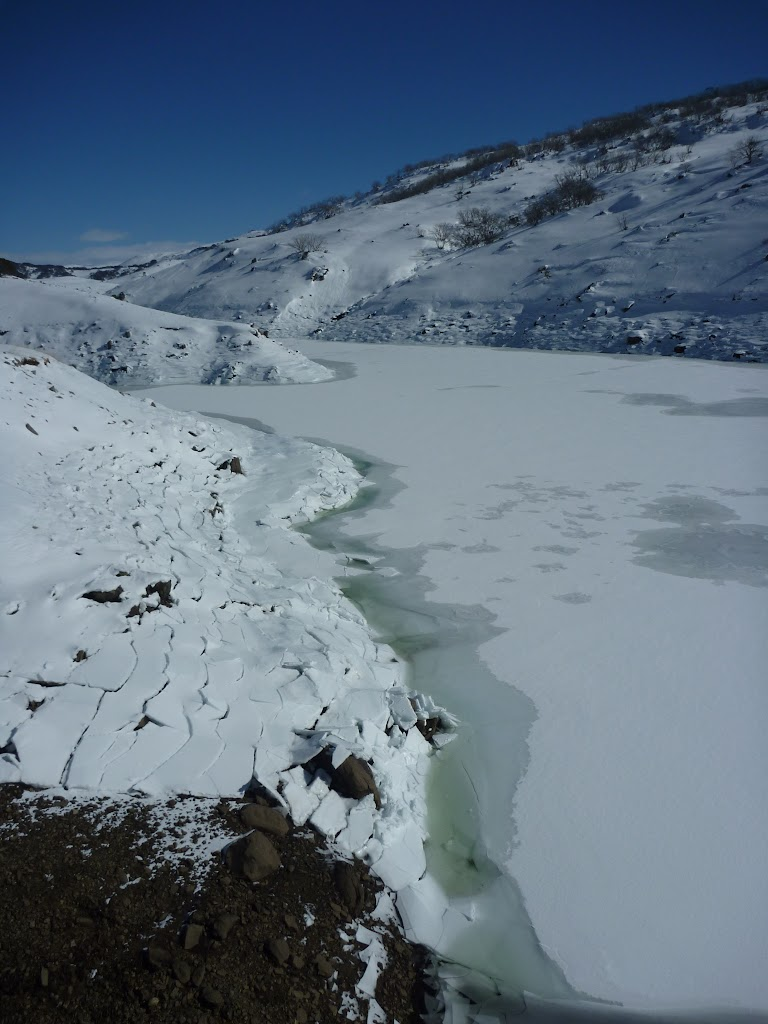 Frozen Guthega pondage