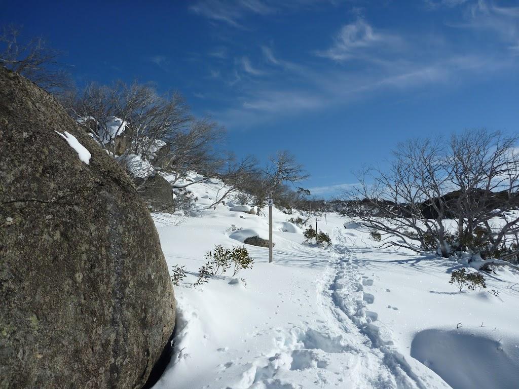 Boulder beside Rock Creek Snowshoe trail