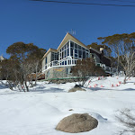 Lodge beside Wheatley Rd (300181)