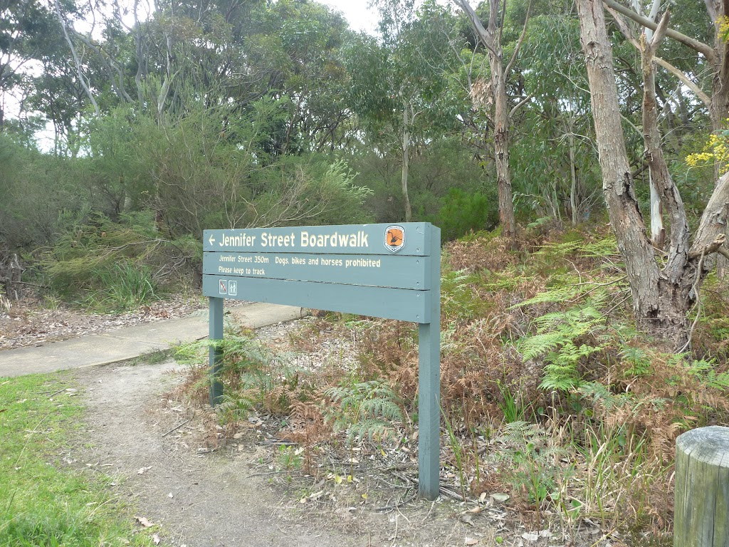 Sign to Jennifer Street boardwalk near Botany Bay National Park (310730)