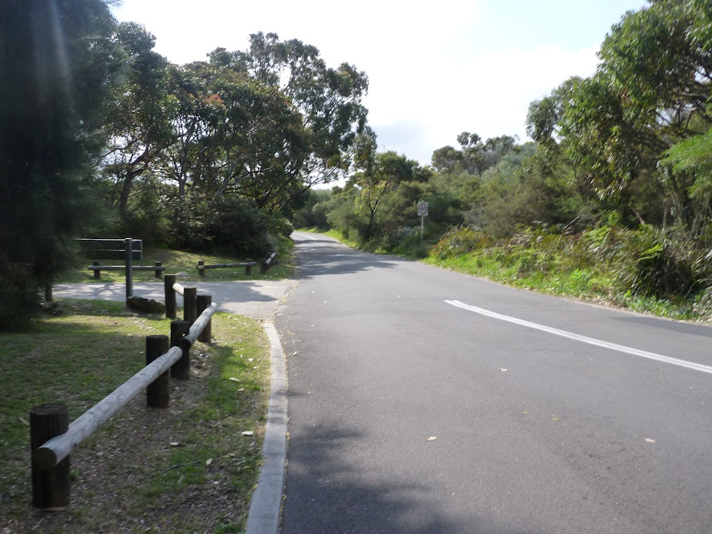 Golf club Rd, near Botany Bay National Park