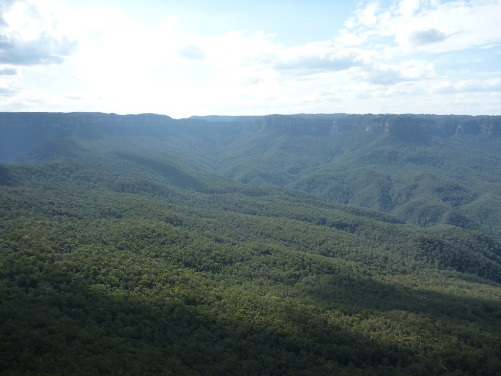 Looking up the Kedumba Valley