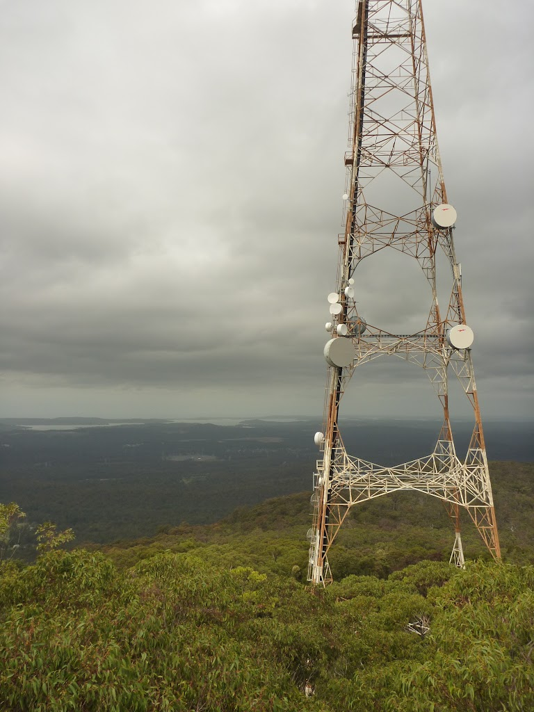Tower and views from the Mt Sugarloaf summit