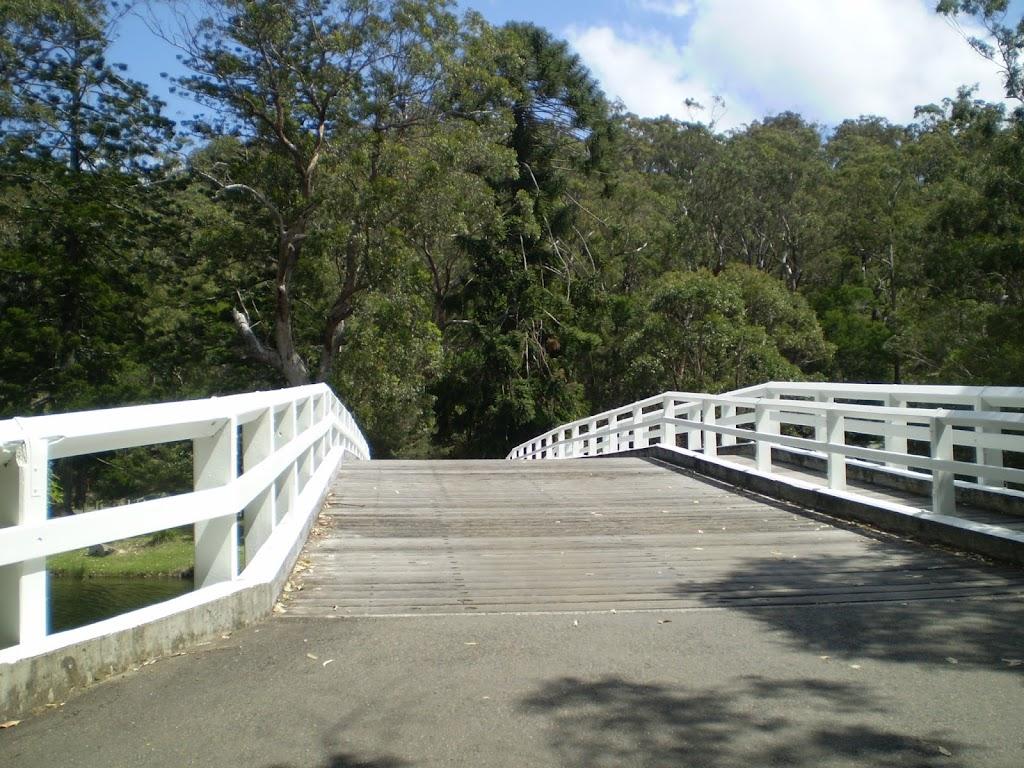 The walking bridge across the Hacking River