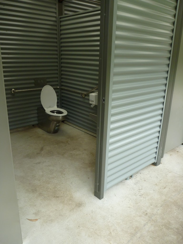 Toilets at Crosslands (329747)