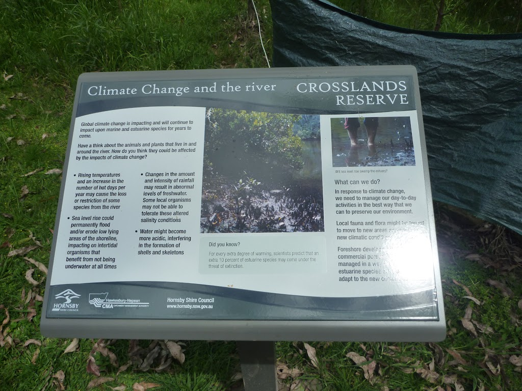 Plenty of information signs at Crosslands (329807)
