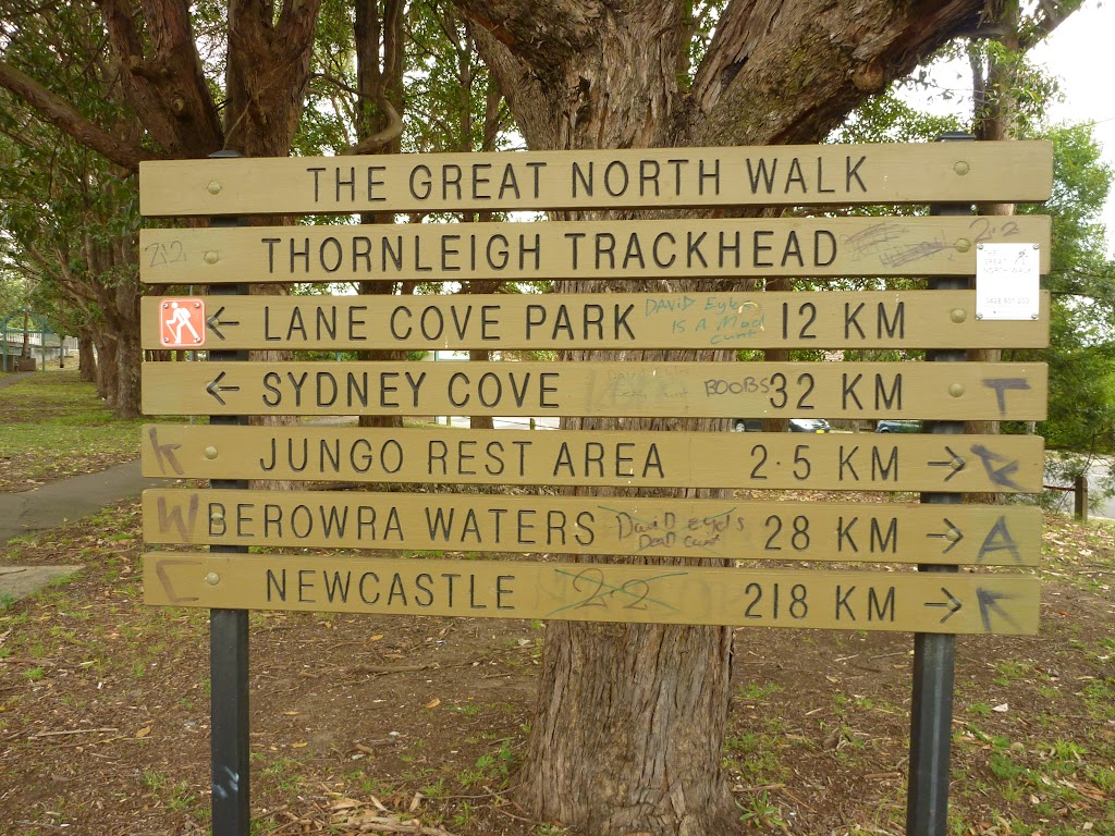 Thornleigh trackhead sign on west side of train station (335267)