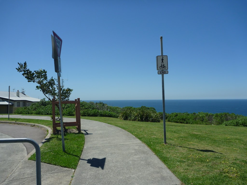 Looking at the ocean from Cliff Street